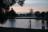 Dva rybníky při západu slunce